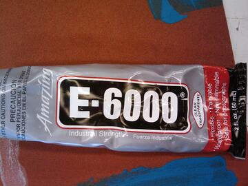 E-6000 adhesive for gluing acrylic and plexiglass